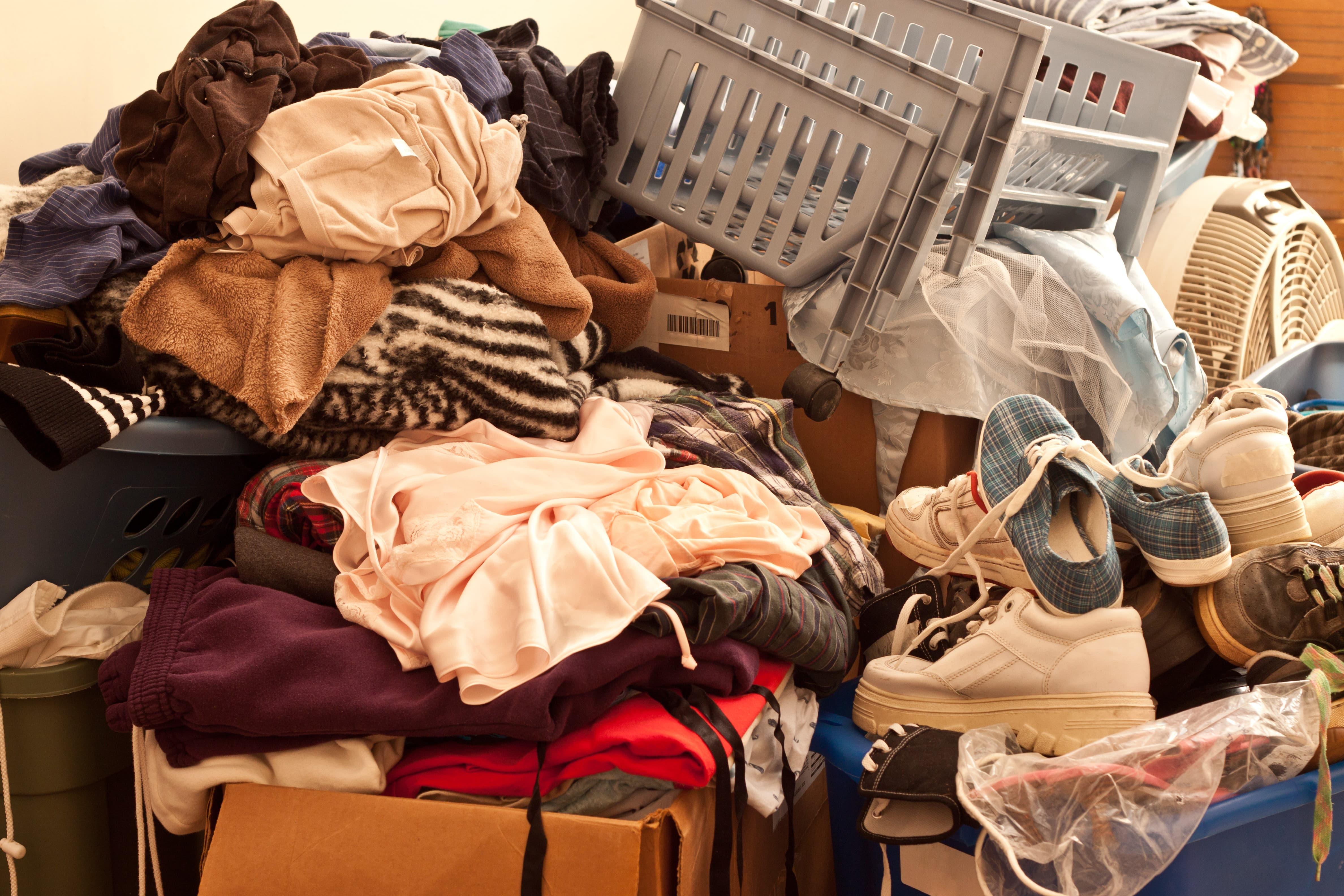 hoarding-disorder-min.jpg